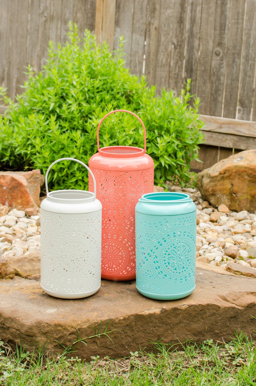 Colorful backyard graduation party ideas from Mint Event Design www.minteventdesign.com