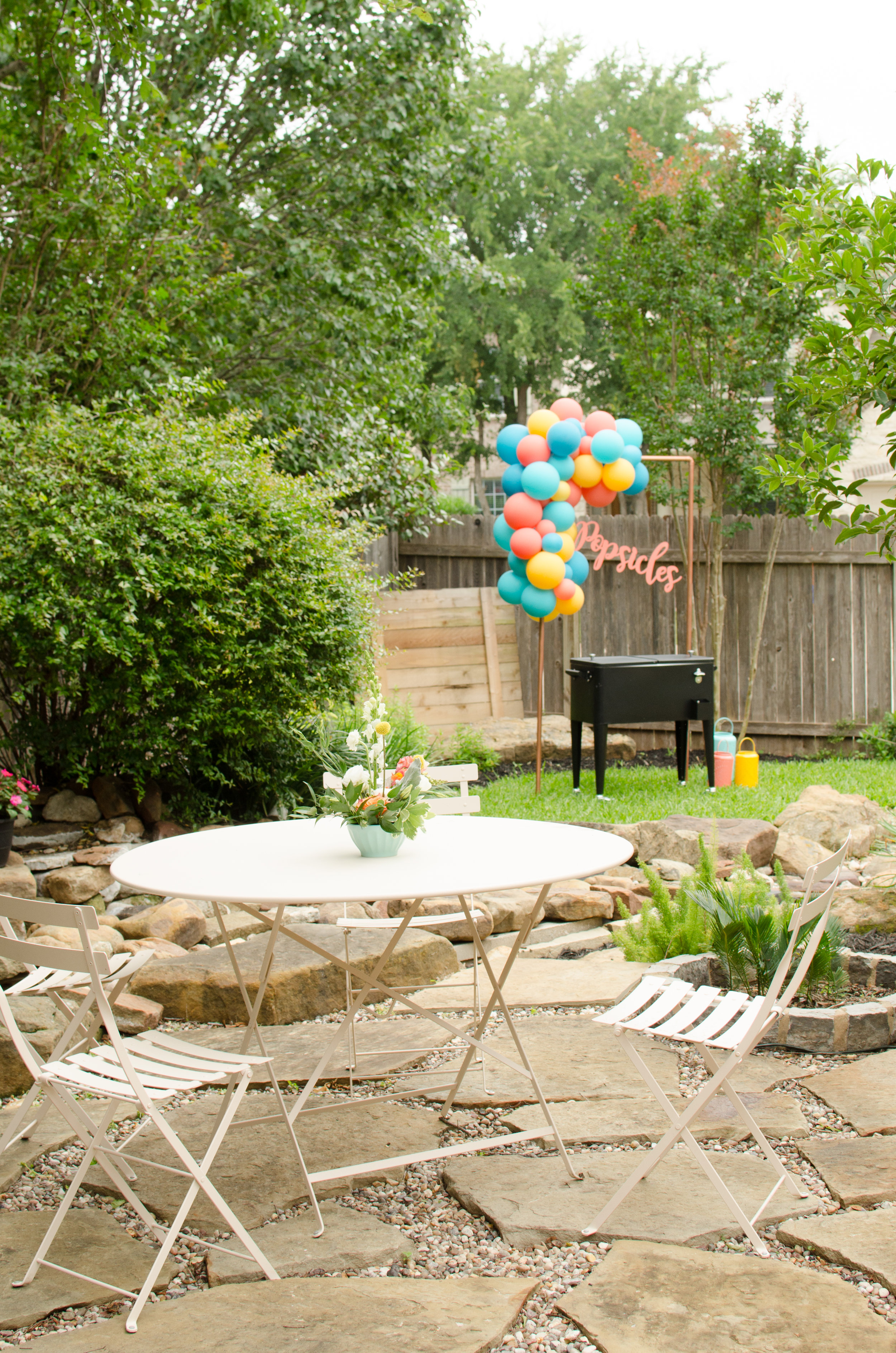 Casual and colorful summer party ideas from Mint Event Design www.minteventdesign.com