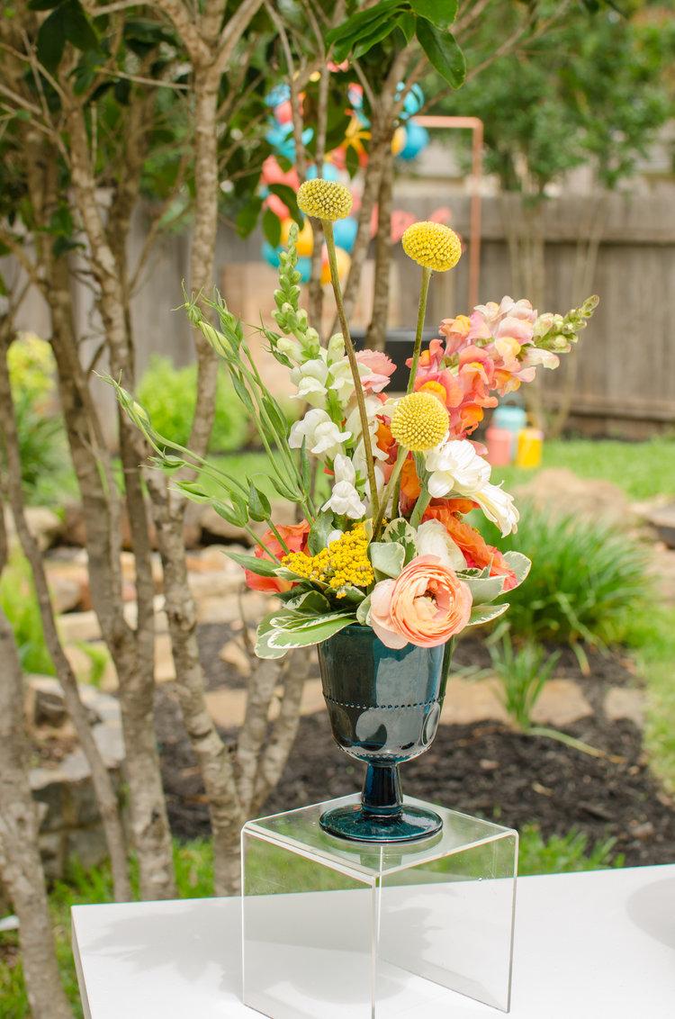 summer party vase.jpeg