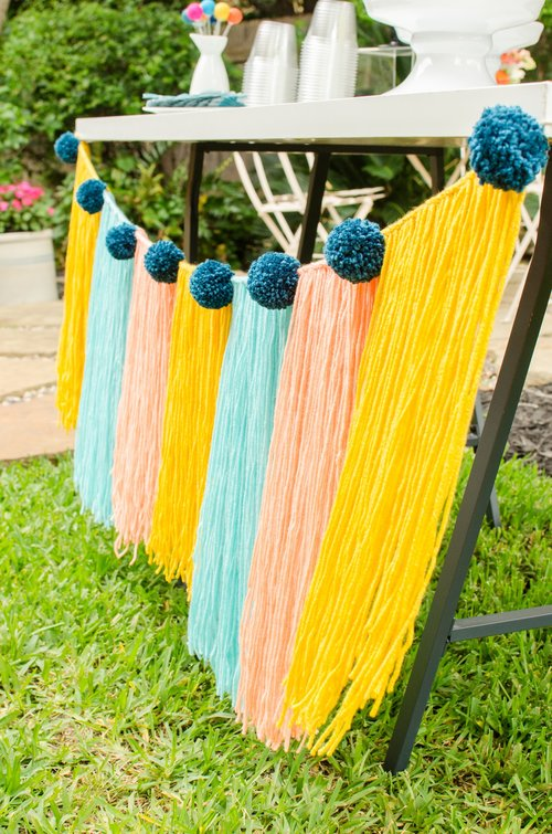 fabulous+yarn+tassel+banner.jpeg