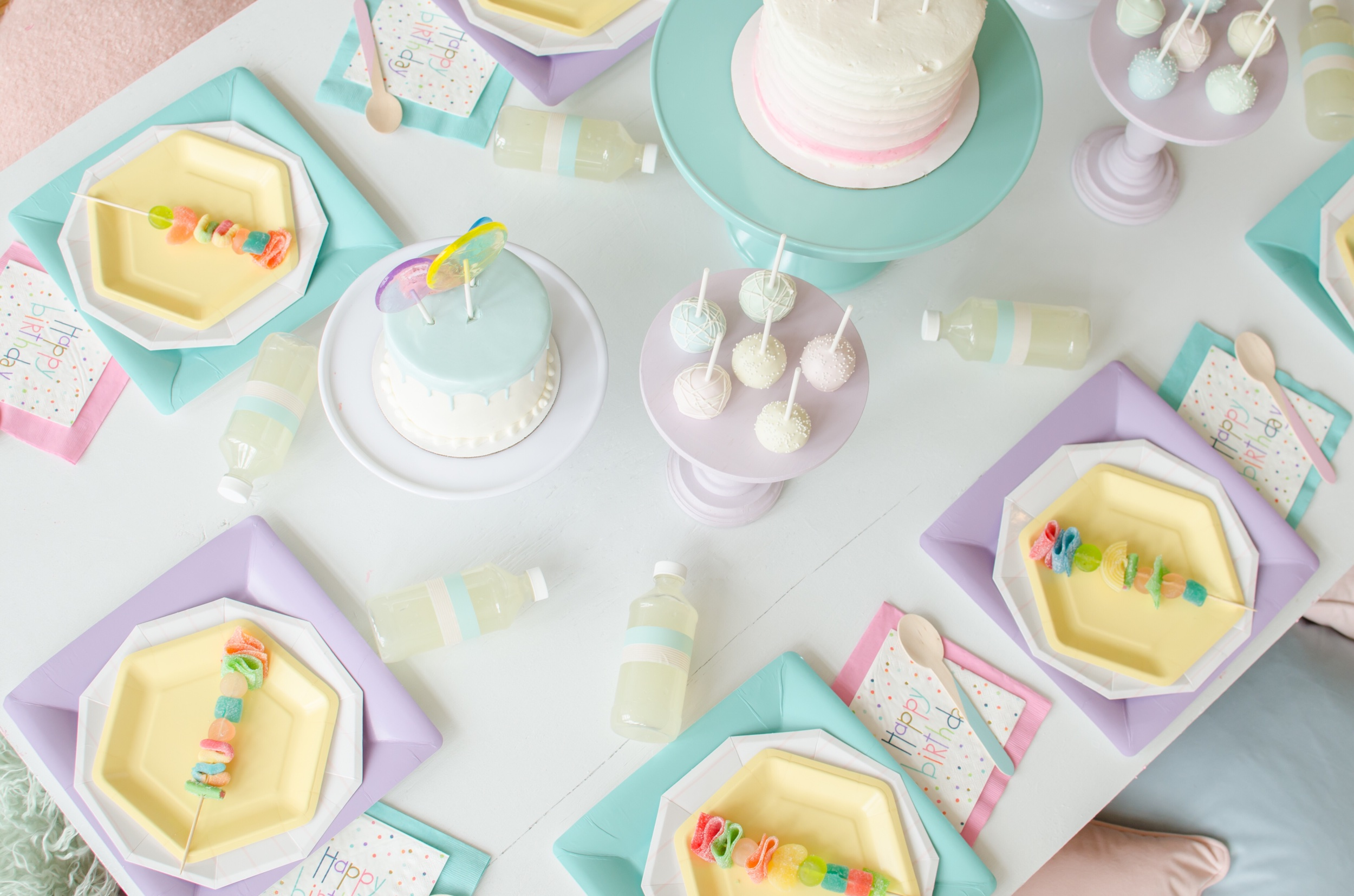 Pastel colored party table!
