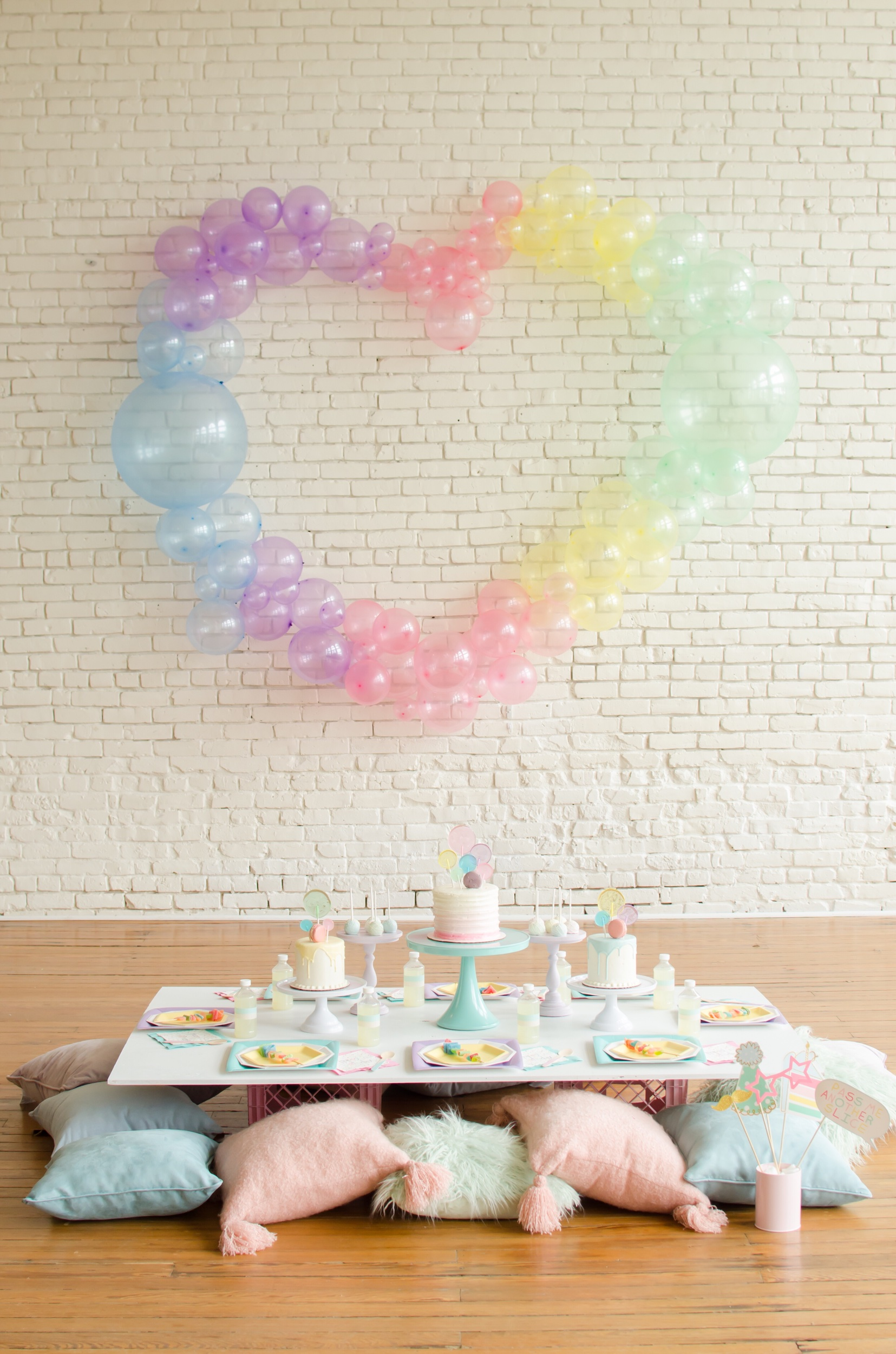 Balloon themed birthday party ideas from Mint Event Design