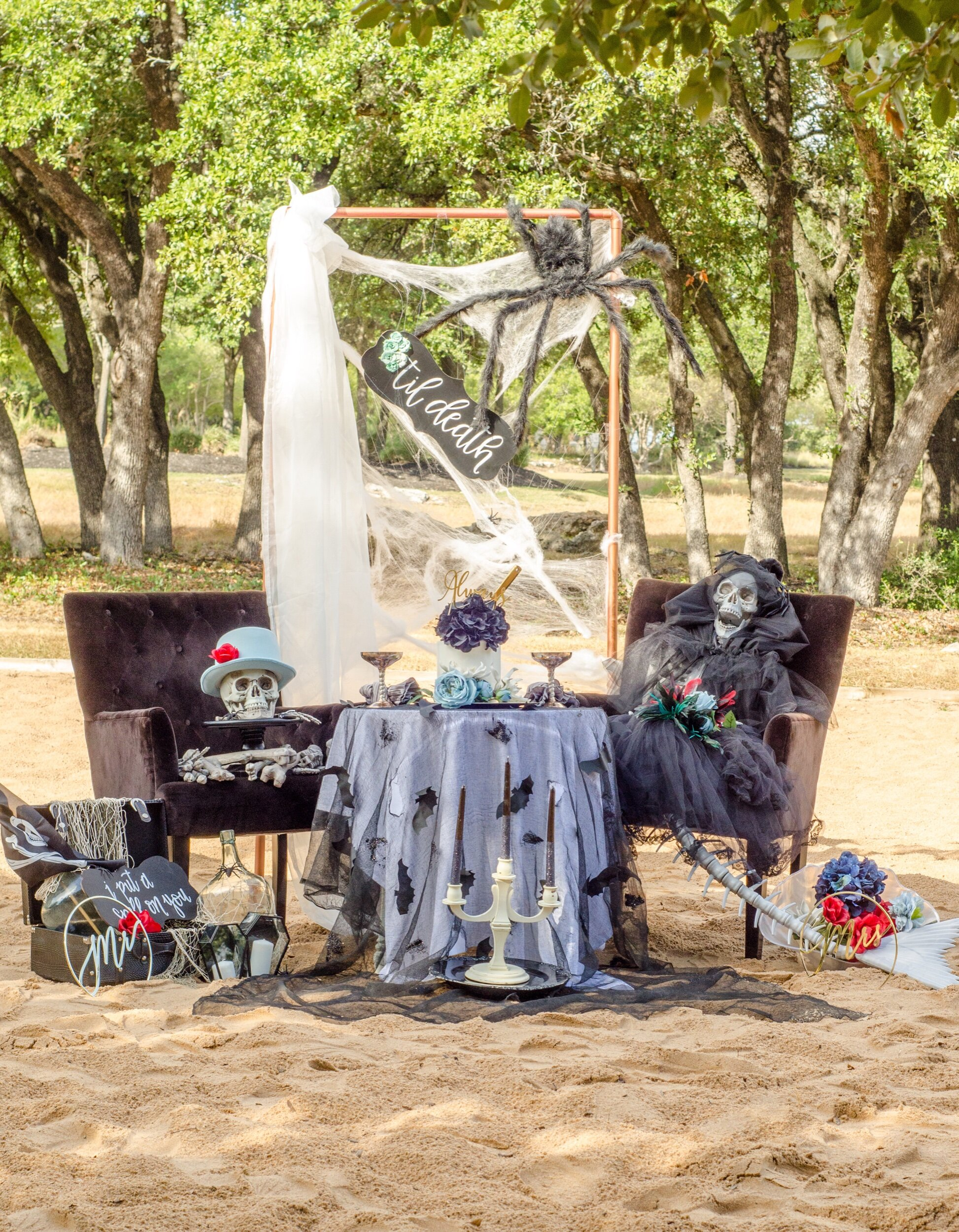 Mermaid & Pirate skeleton Halloween display idea from Mint Event Design. There is so much you could do with this gothic wedding display. It would be great as a photo station at a party, front porch decor, or as a focal point at a Halloween themed wedding.