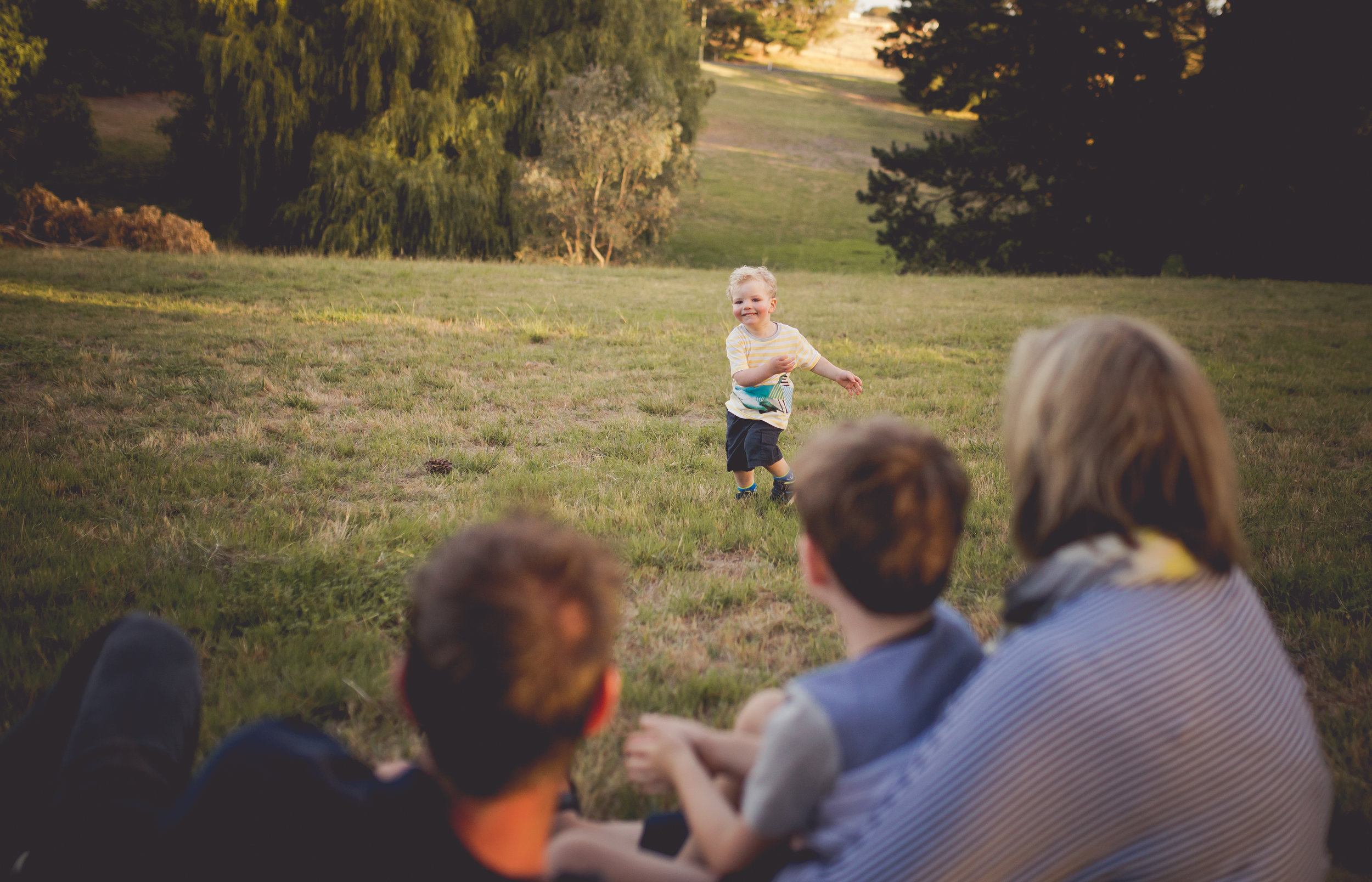 Standard Yearly Session - $375 - Family session on location around Geelong or the Bellarine. 30 edited digital files via downloadSave over $400
