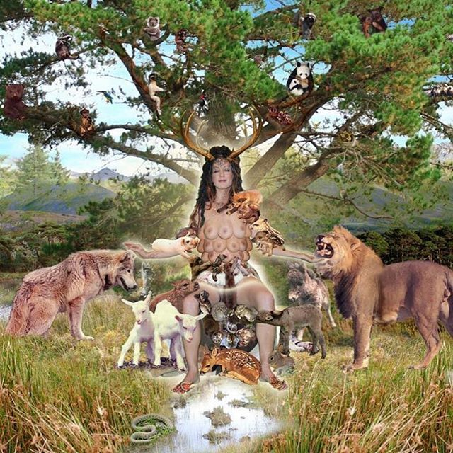 SUNDAY MOOD.. . . CO @Penny Slinger.  Nurtura, digital photocollage from 64 Dakini Oracle, ©️2008-2010, Penny Slinger. . #sunday #pennyslinger #photocollage #collagephoto #digitalphotocollage #digitalcollage #digitalcollageart #dakinioracle #64dakinioracle #goddess