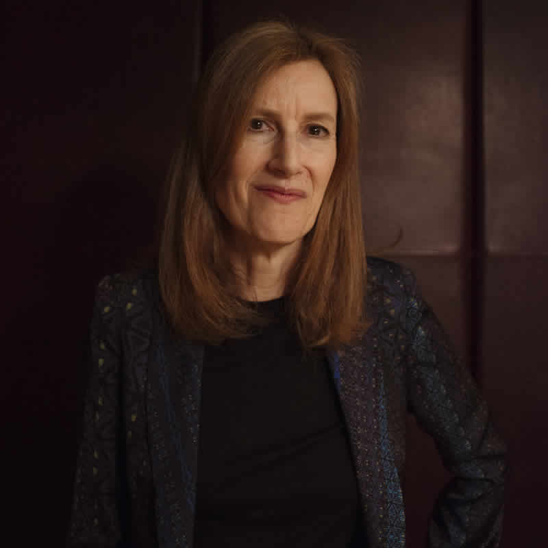 <b>JOANNA HOGG</b><br>THE SOUVENIR<br>May 10, 2019