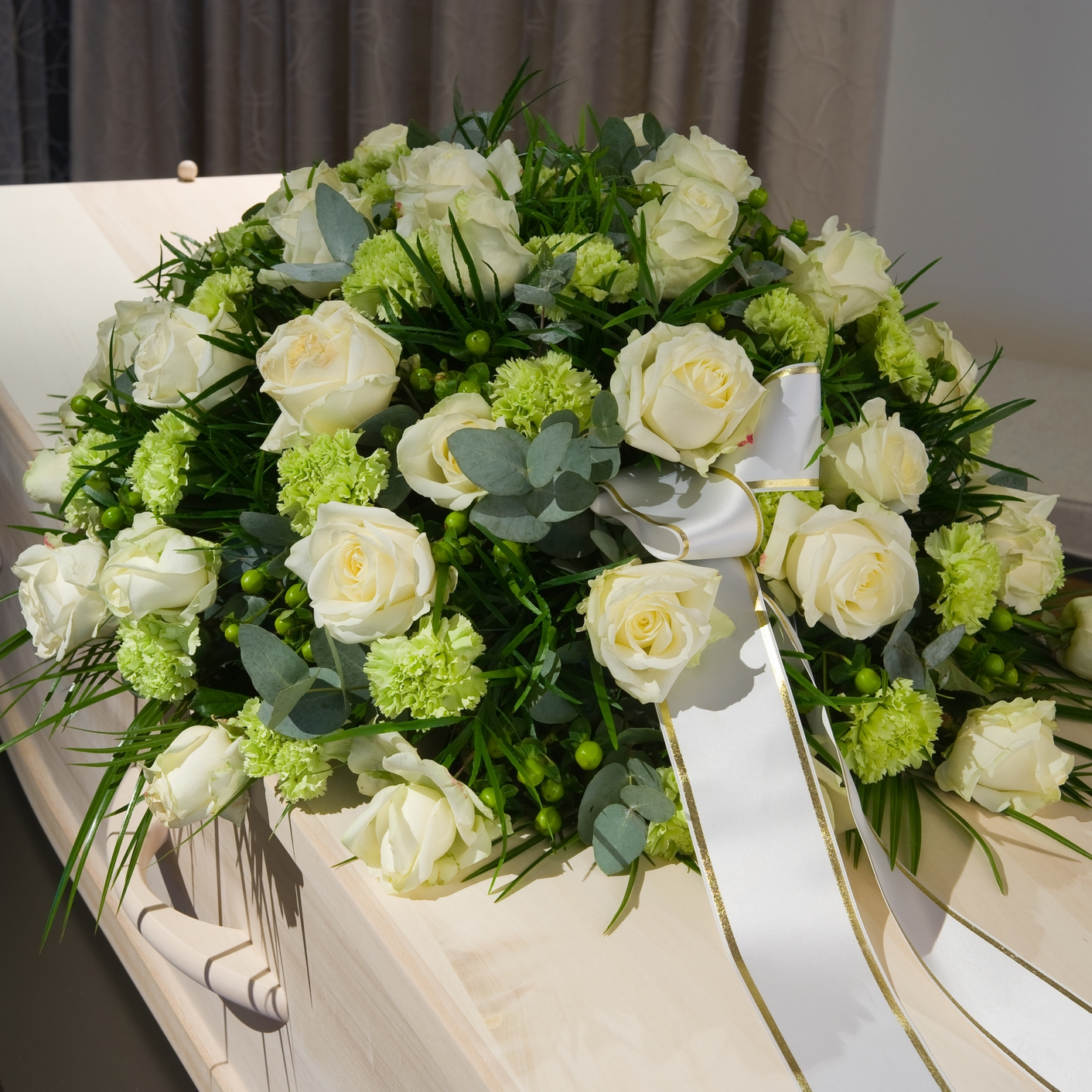 CASKET FLOWERS. - Orders for Casket flowers need to be arranged by appointment. The selection of flowers and size determine the cost. Available in many sizes.Call for custom pricing.