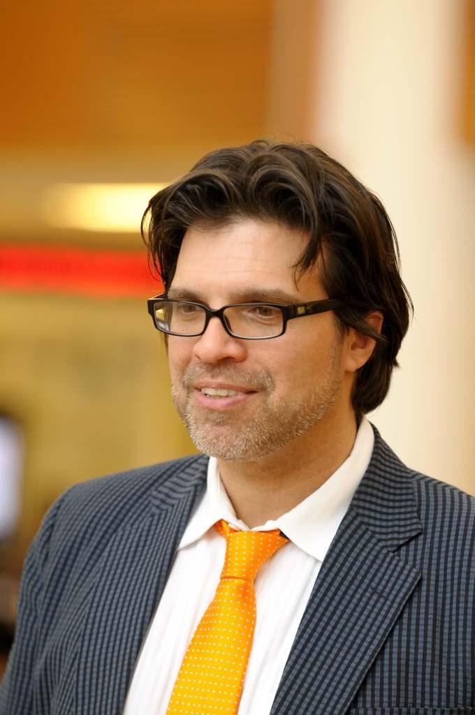 Aric Rindfleisch, Executive Director