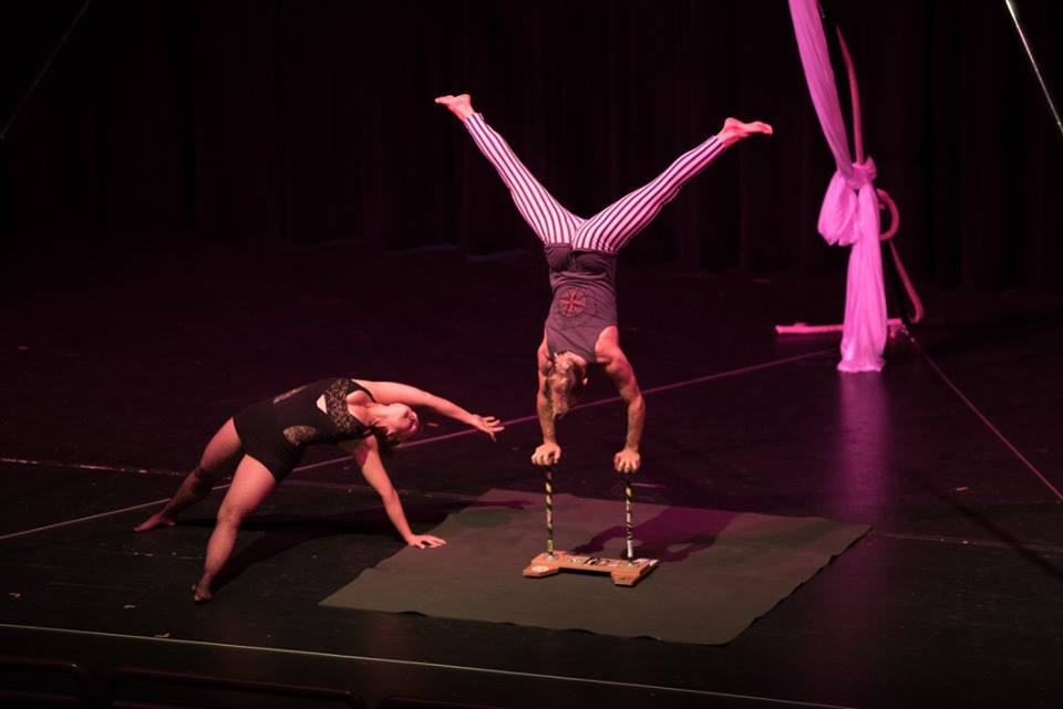 handstand on canes equilibira 2016 .jpg