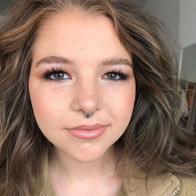 Gracie. More BTS from this shoot with  @raylakayphotography #rkpfairshoot19 . . . . . . .  @thecollinssisters @natashashallbetter #sothankful #MUATATA #NatashaShallbetter #SpokaneMakeupArtist #makeupbyme #makeupartist #NoRules #iSlay #thatpnwlife #spokane #spokanedoesntsuck  #filmedinspokane #spokanefilm