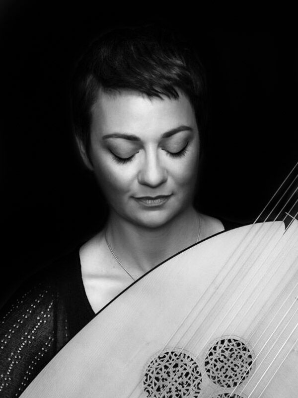 Samantha Cohen - lute/theorbo