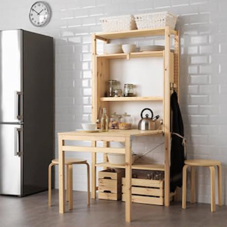 If you have a small kitchen this Ivar unit from #ikea might be te way to go. It also doubles as #storagewars 💡 📷 @ikeauk  #professionalorganizer #ikeahacks #ikeakitchen #smallkitchen #storageideas #storagesolutions #organization #organisation #tinyhouse
