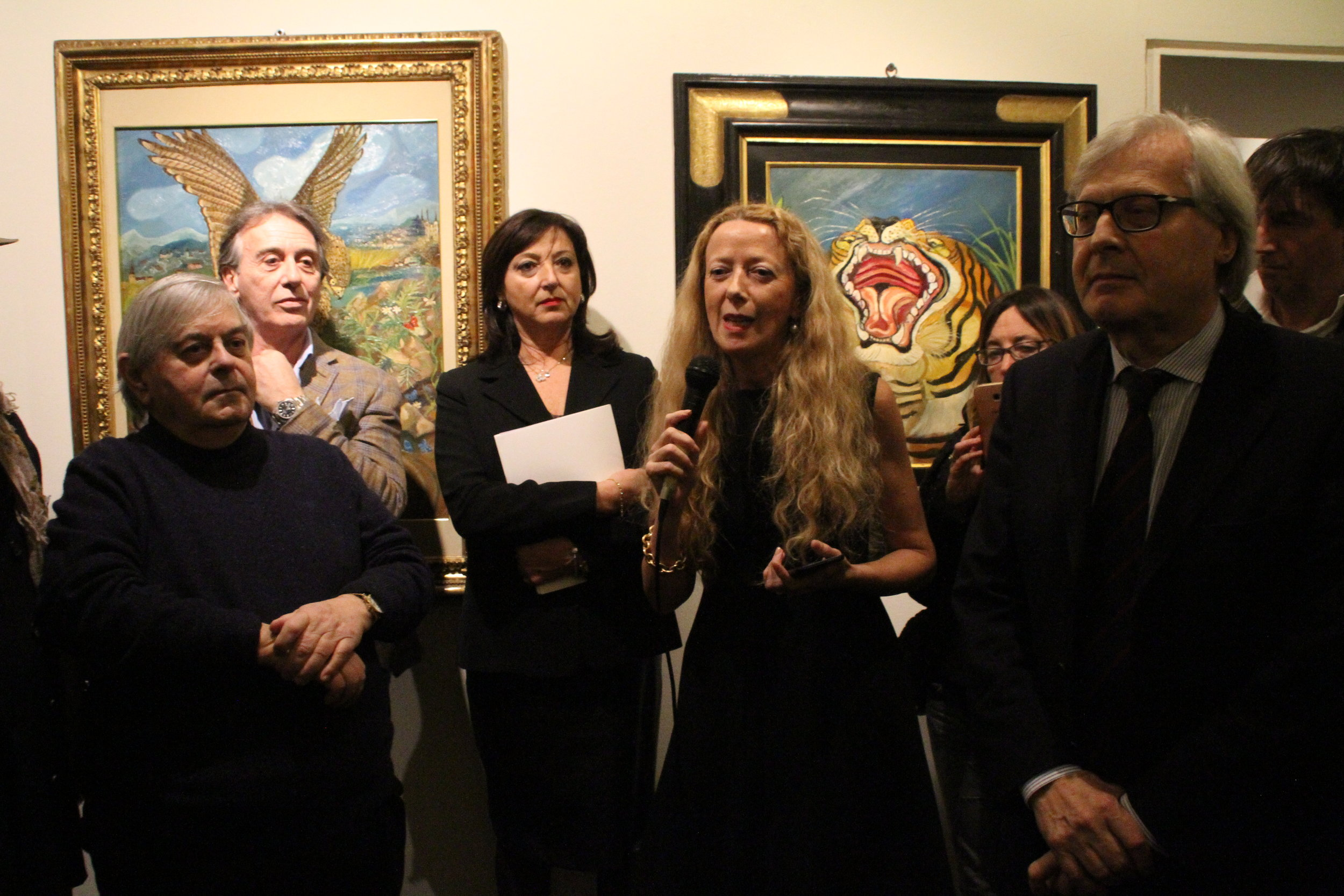 From the left: Prof. Marzio Dall'Acqua, the general secretary of the Fondazione Archivio Antonio Ligabue Mario A. Fiori, the vice-president of the Fondazione Archivio Antonio Ligabue Anita Molinari, the curator of the Biffi Arte Gallery Susanna Gualazzini and Prof. Vittorio Sgarbi. Everyone spoke at the exhibition's inauguration.