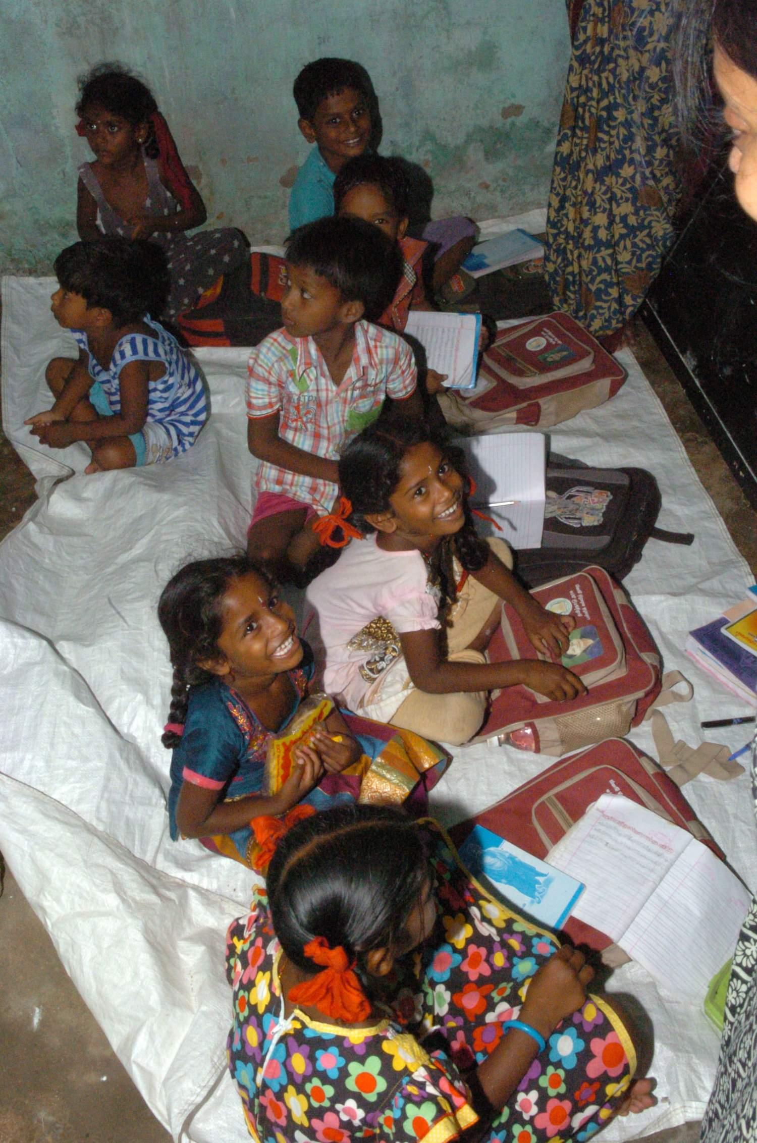 Intia-girls__1542878379_193.143.48.129.jpg