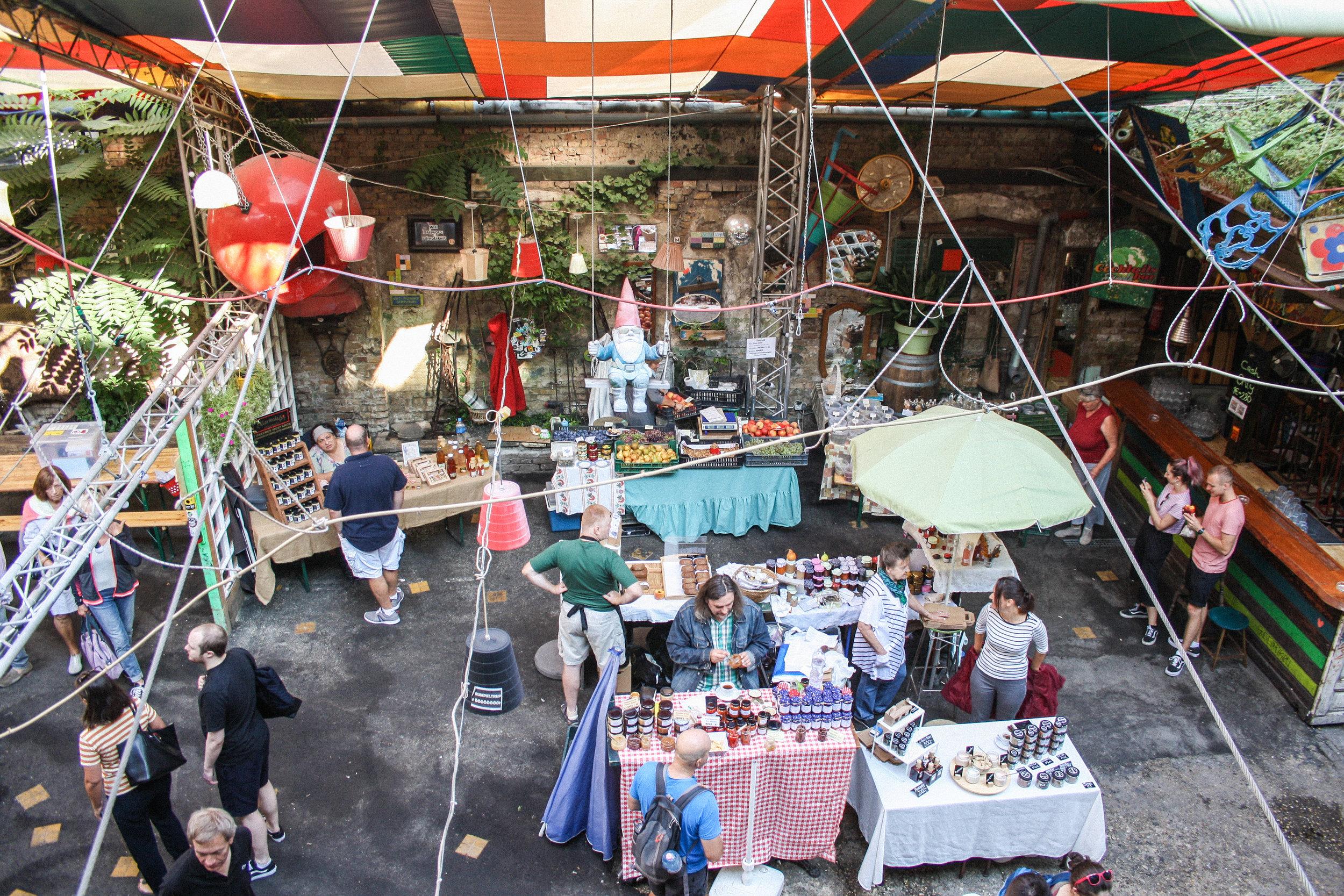 szimplakert-farmersmarket-budapest.jpg