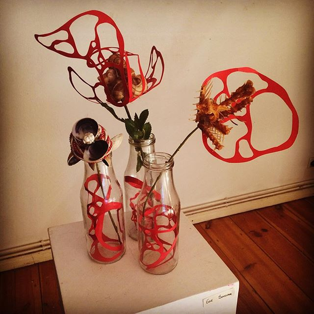 My #grotesque #macabre #flowers being exhibited at the @emporiumofeverydayexcellence #lobstercult #popupshop.  Lots of #art #film #illustration #drawing #prints alongside #fashion #books #jewellery #woodwork everything!!!! #shells #bones #fishbones #blood #bloodcells #porcelaindoll #dollshead #shells #bouquet #medicalart #sculpture #gallery #exhibition #berlinart #sculptor #berlinartist