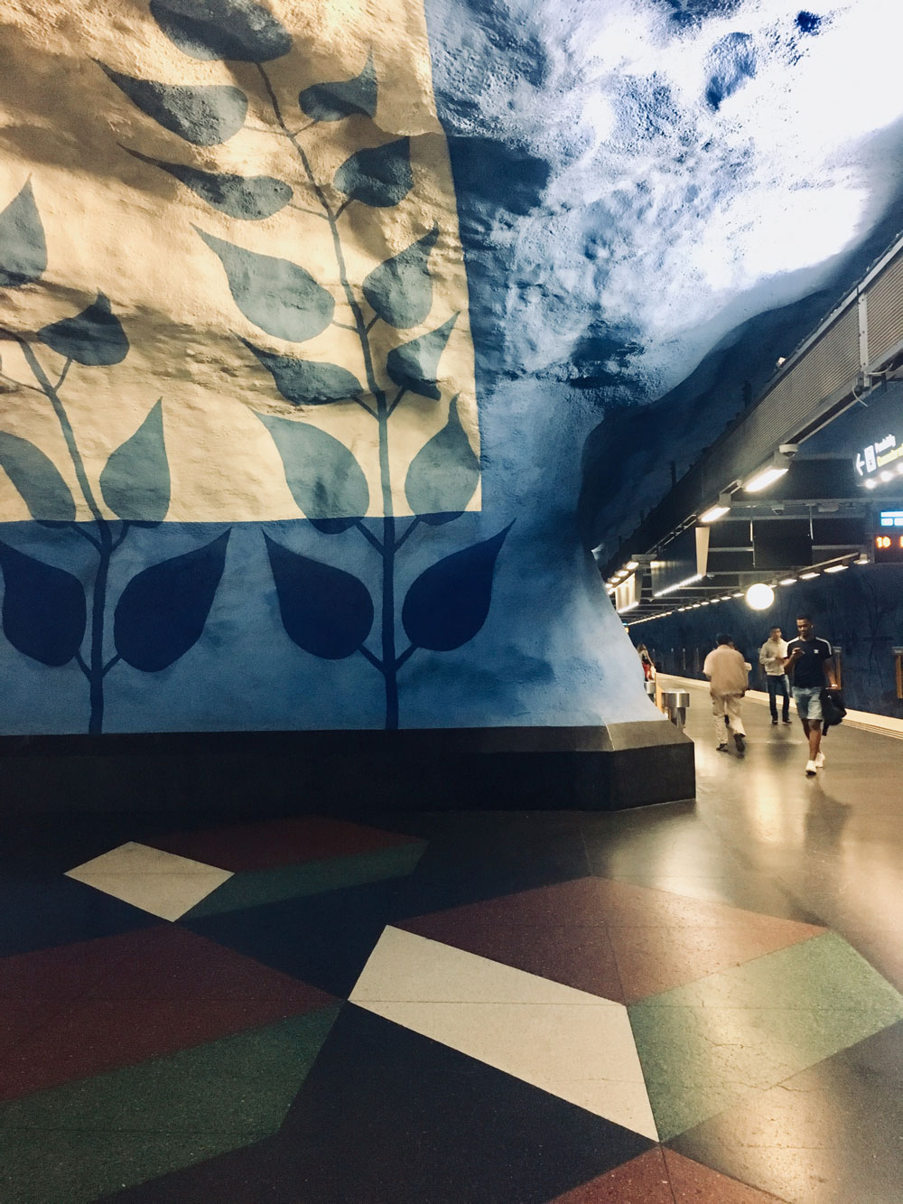 Stockholm-subway2.jpg