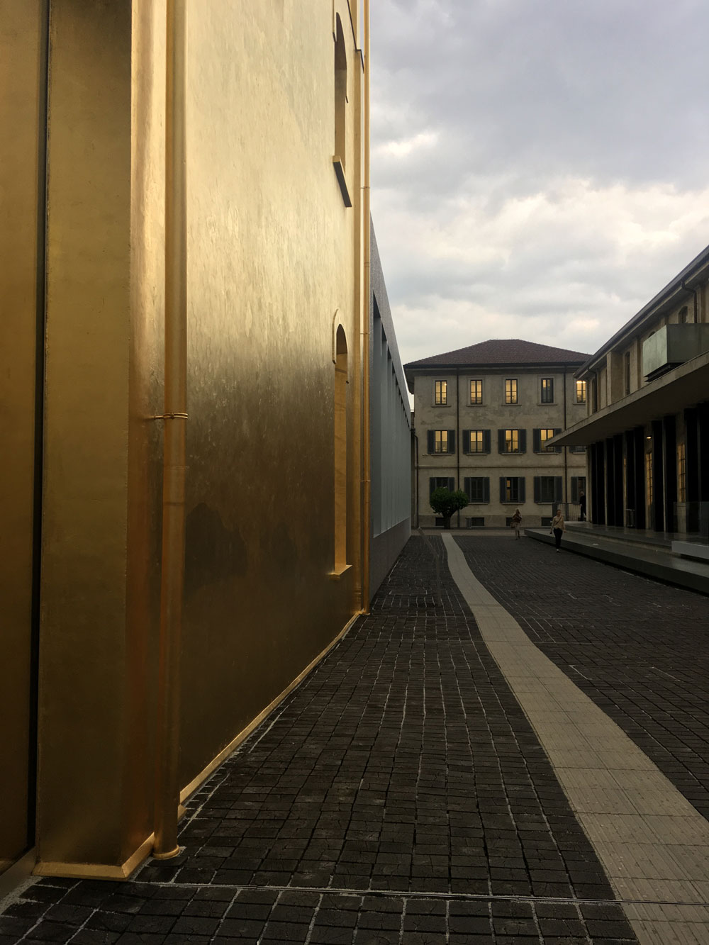 Milano-prada1.jpg