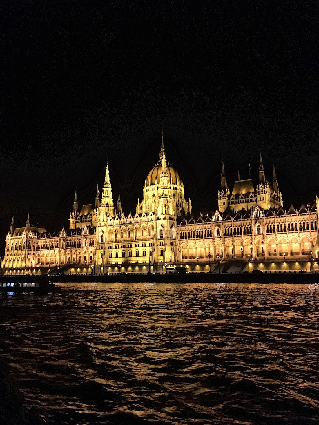 budapest_parliament1.jpg