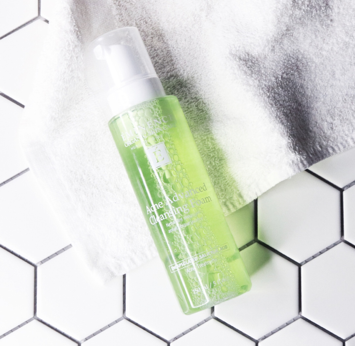 Step 1: Cleanse - Acne Advance Cleansing Foam gently soothes and tones to address uneven skin tone, while clearing blocked pores.