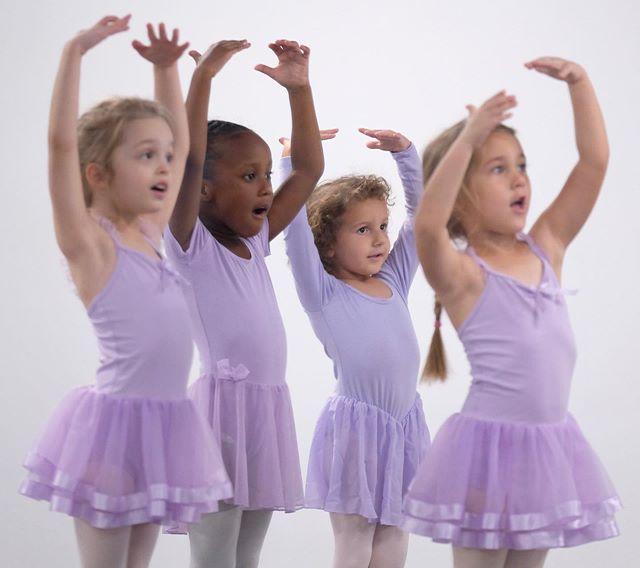 Hello Saturday! 🍁🍂🌸 Hello Dancer! 💞 • • • • • • • #creatinglittlemoments #reflections #creativemovement #ballet #gracefuldancer #dancer #danceforlife #dancing #learningtodance #hellodancer #hellodancerlafayette #dancersofinstagram #letsdance #ballerina #dancesession #timetodance #dancerslife #dance4life #dancedancedance  #letscreatemagic #danceconcepts  #somuchfundancing #dancedancedance #happydancers  #fundamentals #happydancer #dancekids #lafayette  #danceforever  #balletpositions
