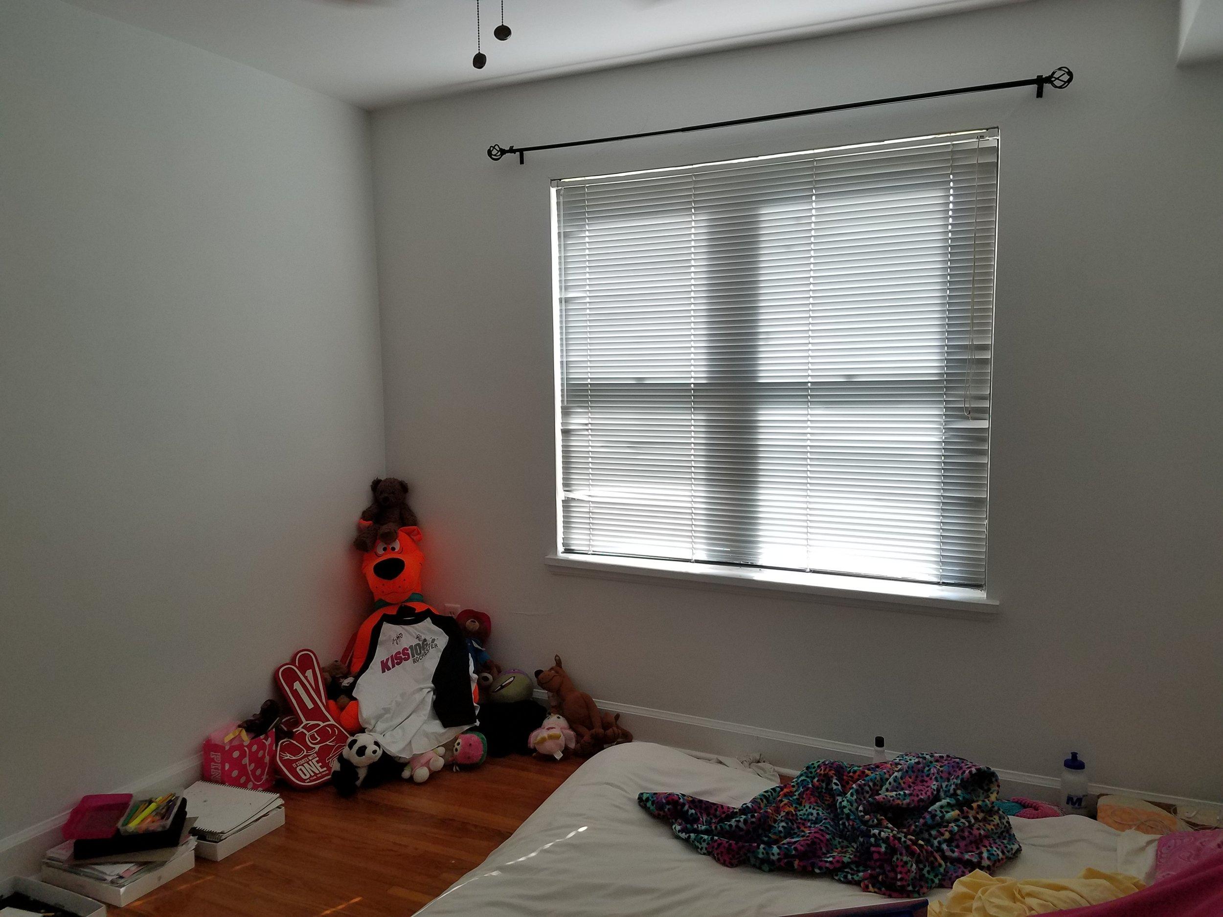 daughters room before 2.jpg