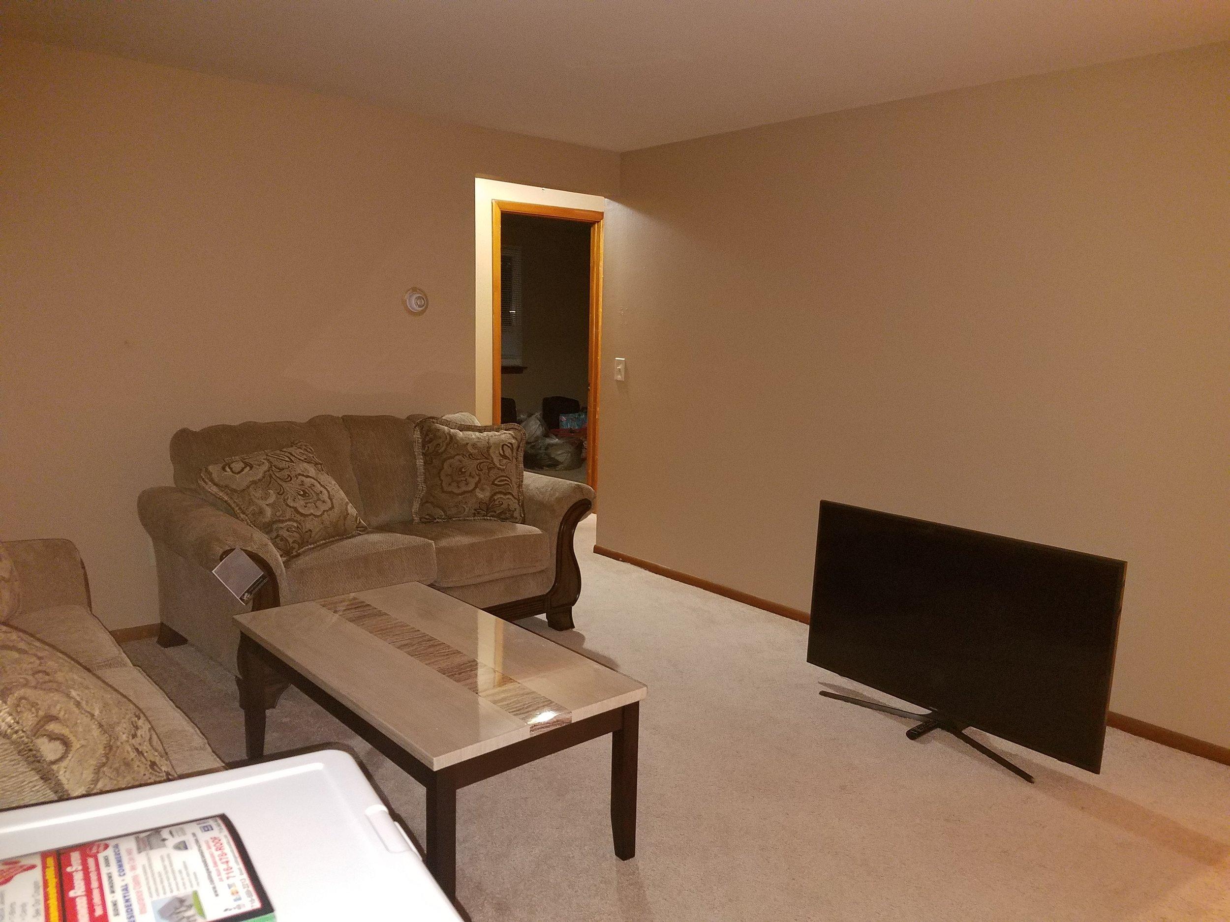 Livingroom before 2.jpg