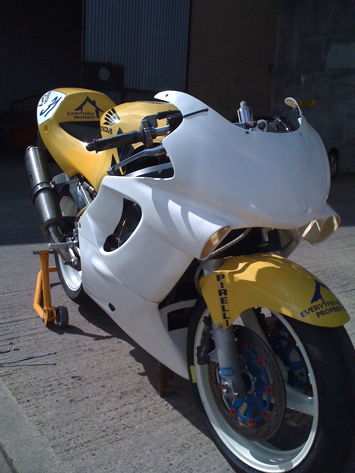 CBR 600 FX FY 004.jpg