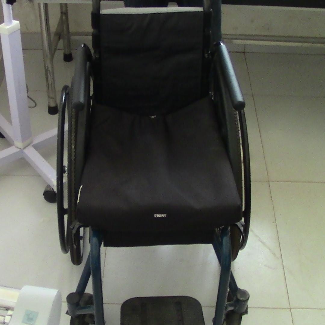 Pacy's new wheel chair.JPG
