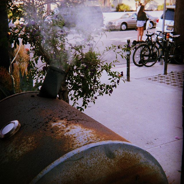 smokin' still #travel #travelphotography #architecture #photography #photographer #photooftheday #photographylife #photographysouls #photobooth #inspiration #inspirationalpics #BBQ #celebration #holiday #happyfourthofjuly