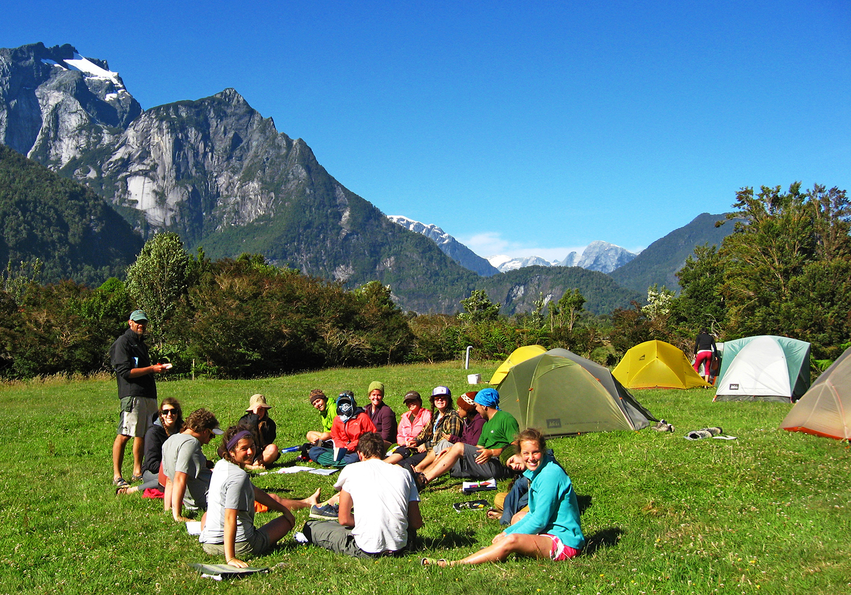 Chile team Vodudahue camp web.jpg