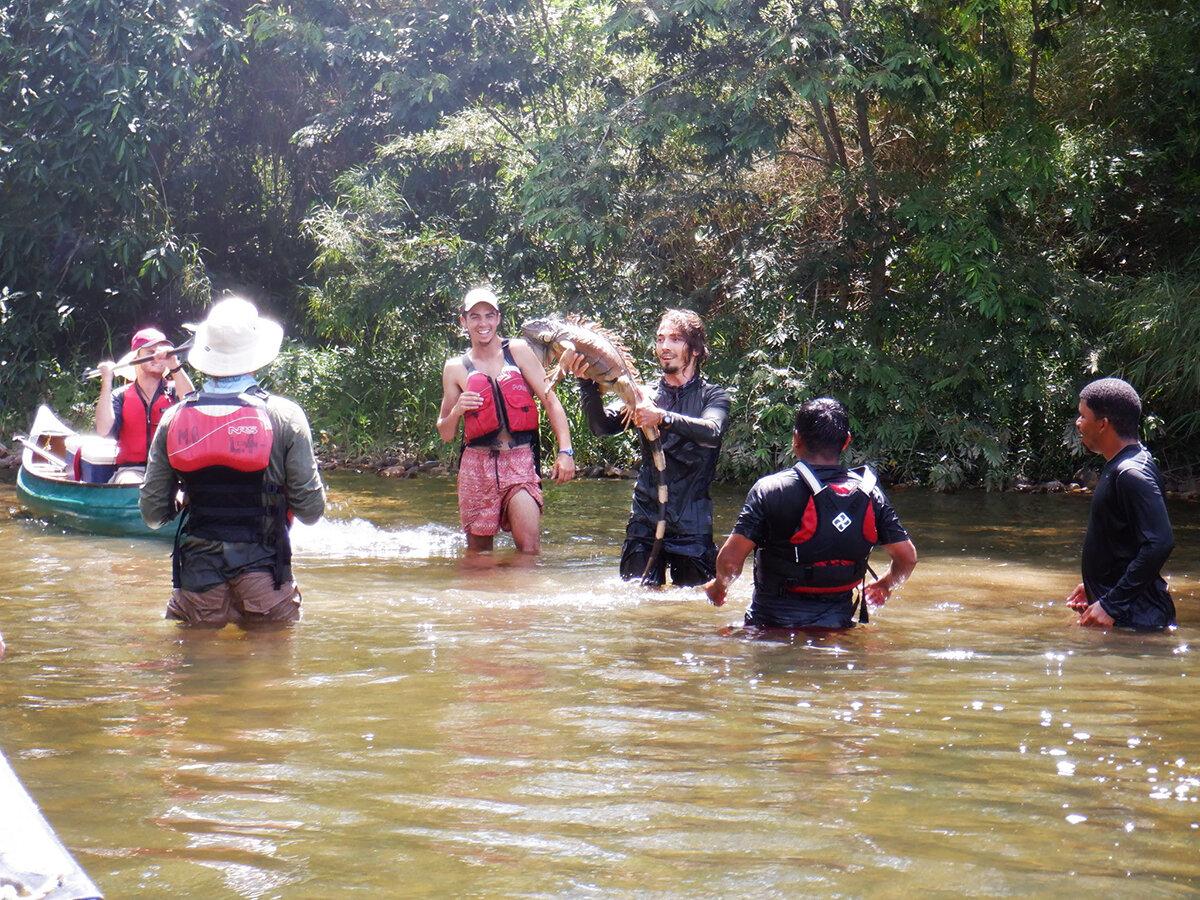 WS-Belize-PhotoGallerycanoesboysinwaterwithlizard-IMG_1072.jpg