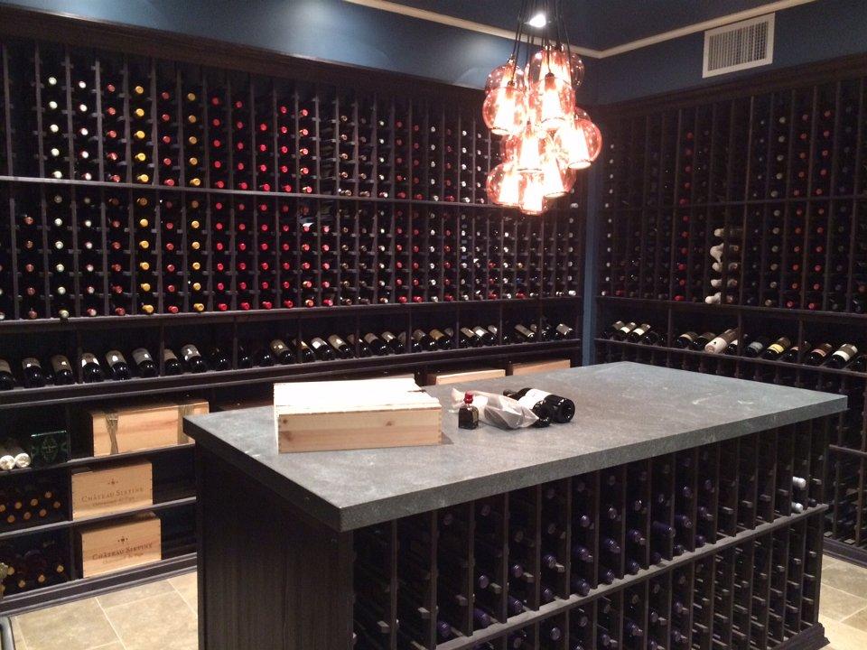 Bar/Wine Cellar