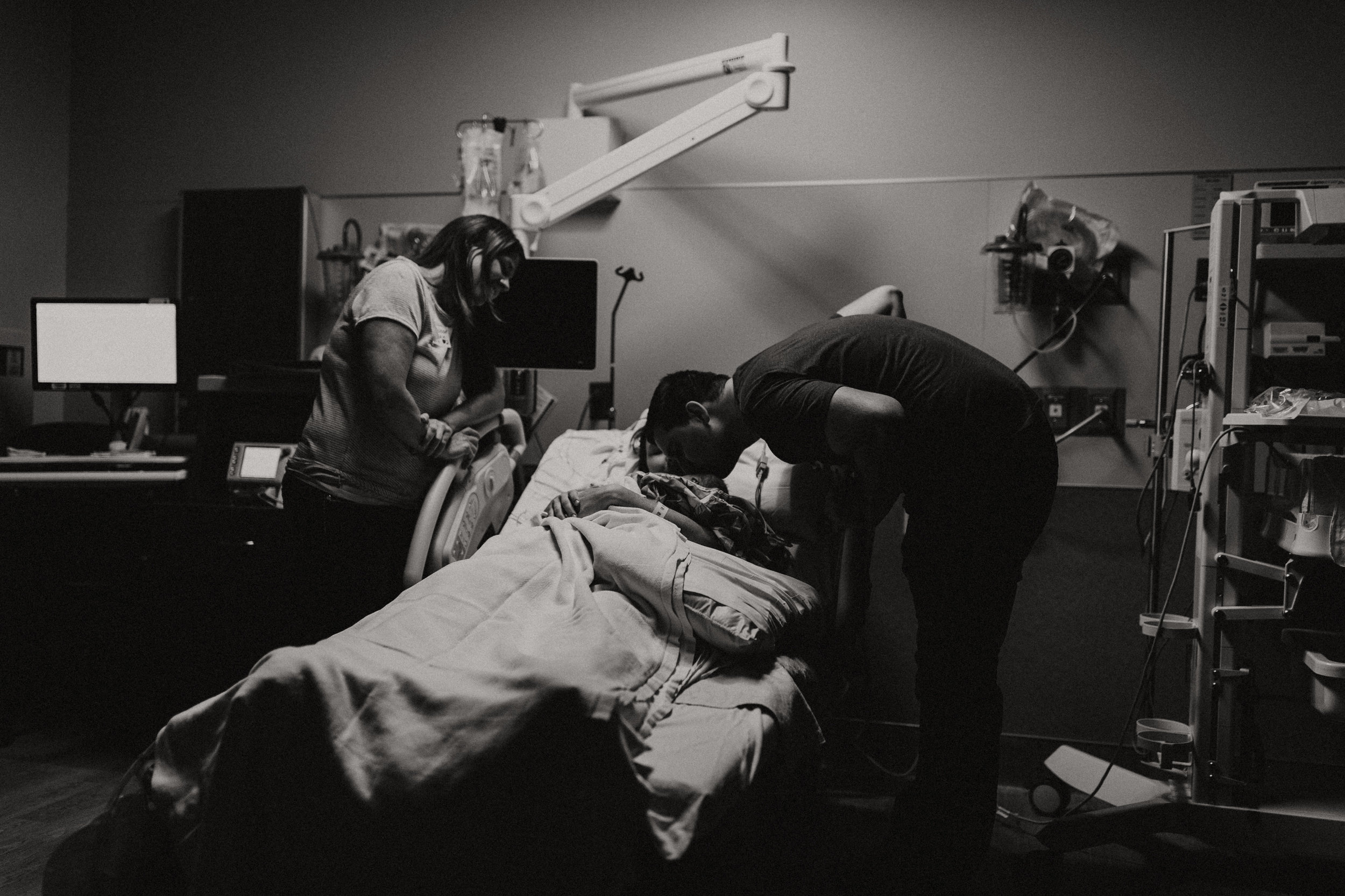 birth story photographer