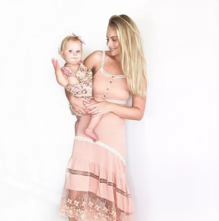Tahlia Aubusson @housewifestyle (wearing: @getfrocked)