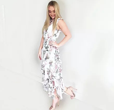 Tahlia Aubusson @housewifestyle (wearing @lover)