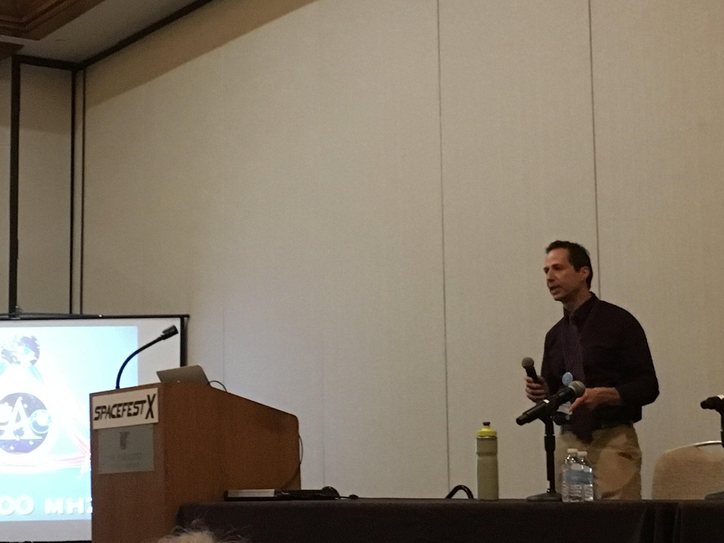 Spaceflight historian Jay Gallentine presenting on Luna 15.