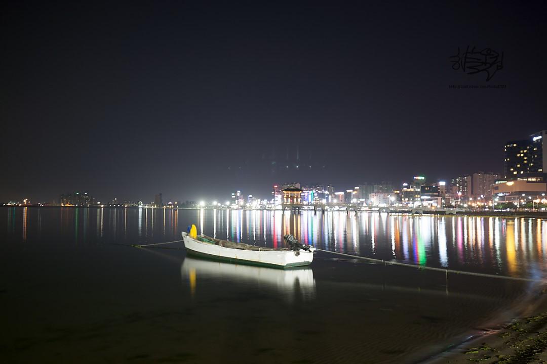 night view of Songdo beach nearby