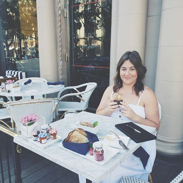 TODAY'S ITINERARY.  Breakfast at Beverly Hills Hotel Cupcake from Sprinkles Shopping at the Grove Dinner at SUR  Any last minute suggestions for things to do in Beverly Hills / West Hollywood etc? Tomorrow I'm going to check out Universal Studios!  Ps Any Lisa Vanderpump fans out there? I wonder if I will see any action tonight! ❤