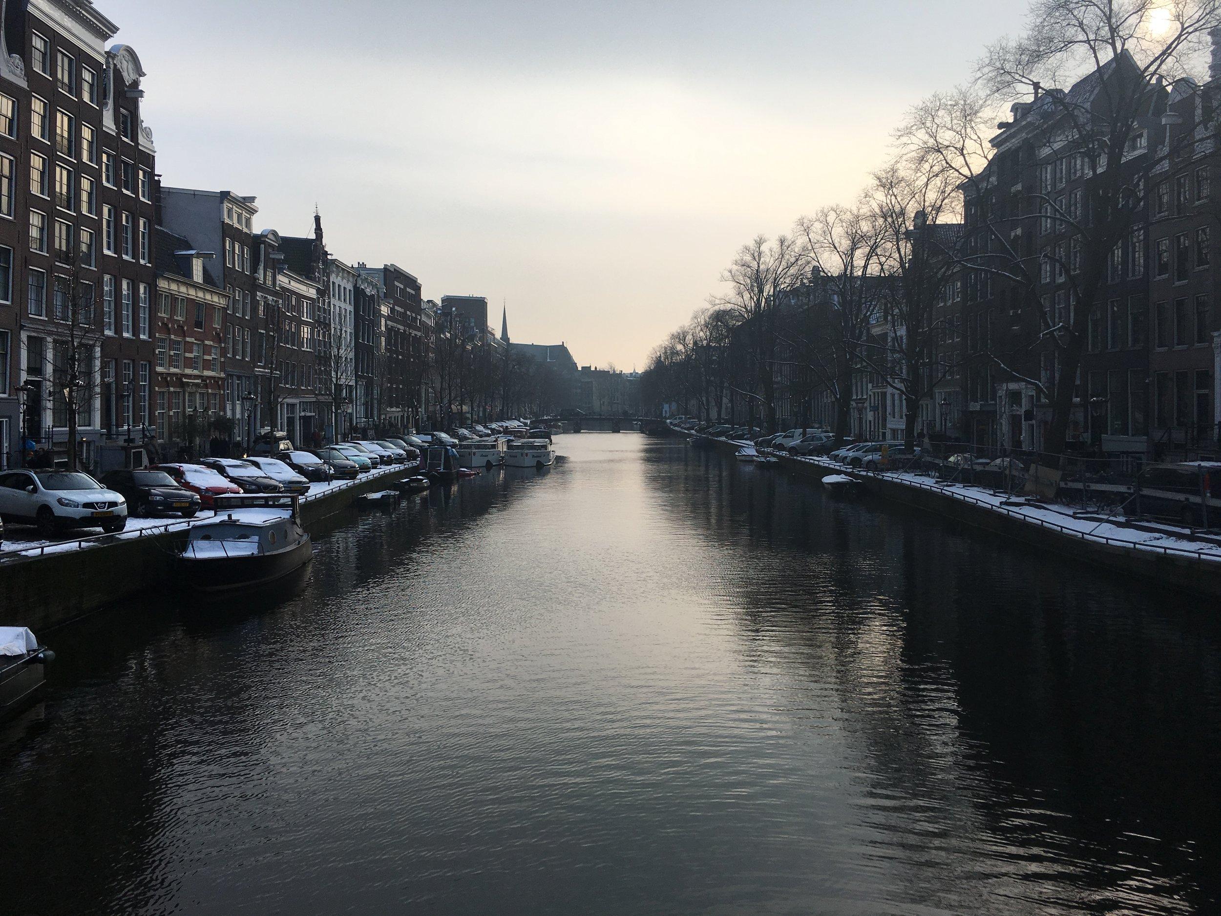 Amsterdam_canal2.JPG
