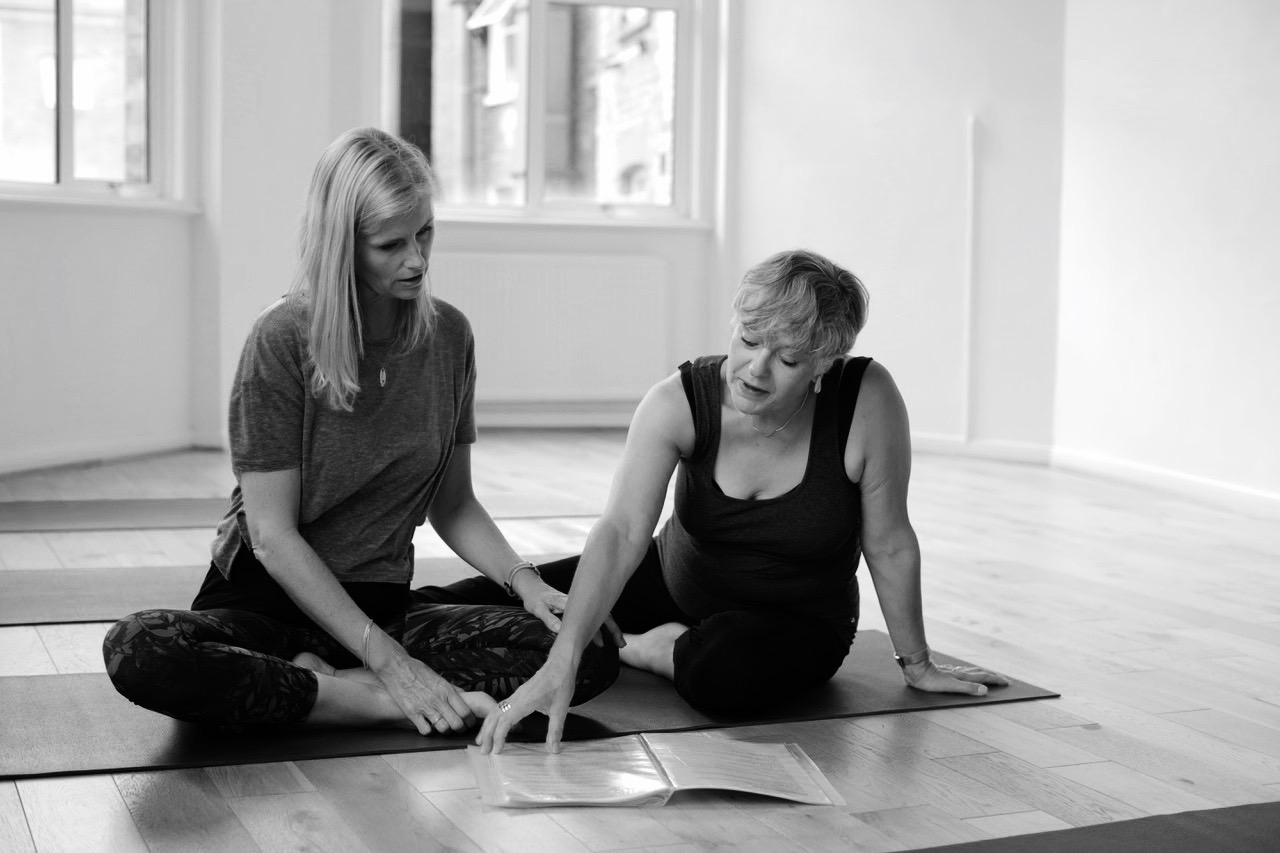 Bridget Thornborrow and Sarah Lindsey,Opening The Heart - the path towards backarches via spirals and twists - Using the Scaravelli-inspired approach to mindful-movement and breath awareness the session will explore how we can loose tension and open the body with ease through Vanda Scaravelli's core principles of ground, breathe and release.