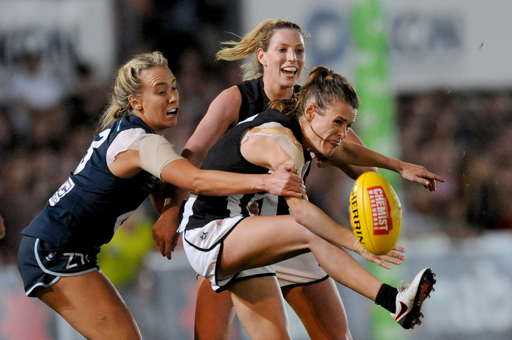 5_reasons_for_the_AFL_to_offer_pay_equity_for_women_Now