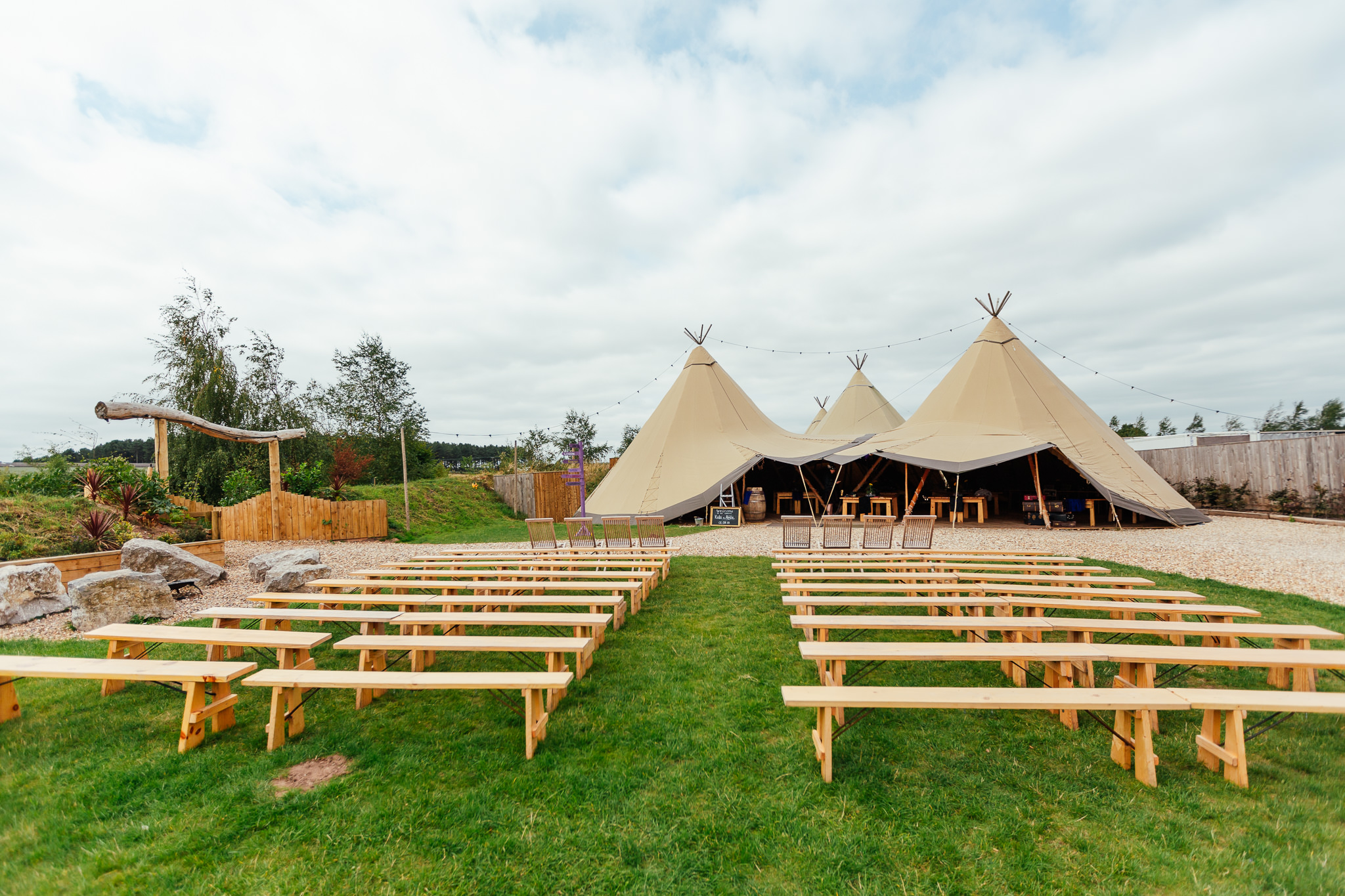 Inkersall-grange-farm-wedding-11.jpg