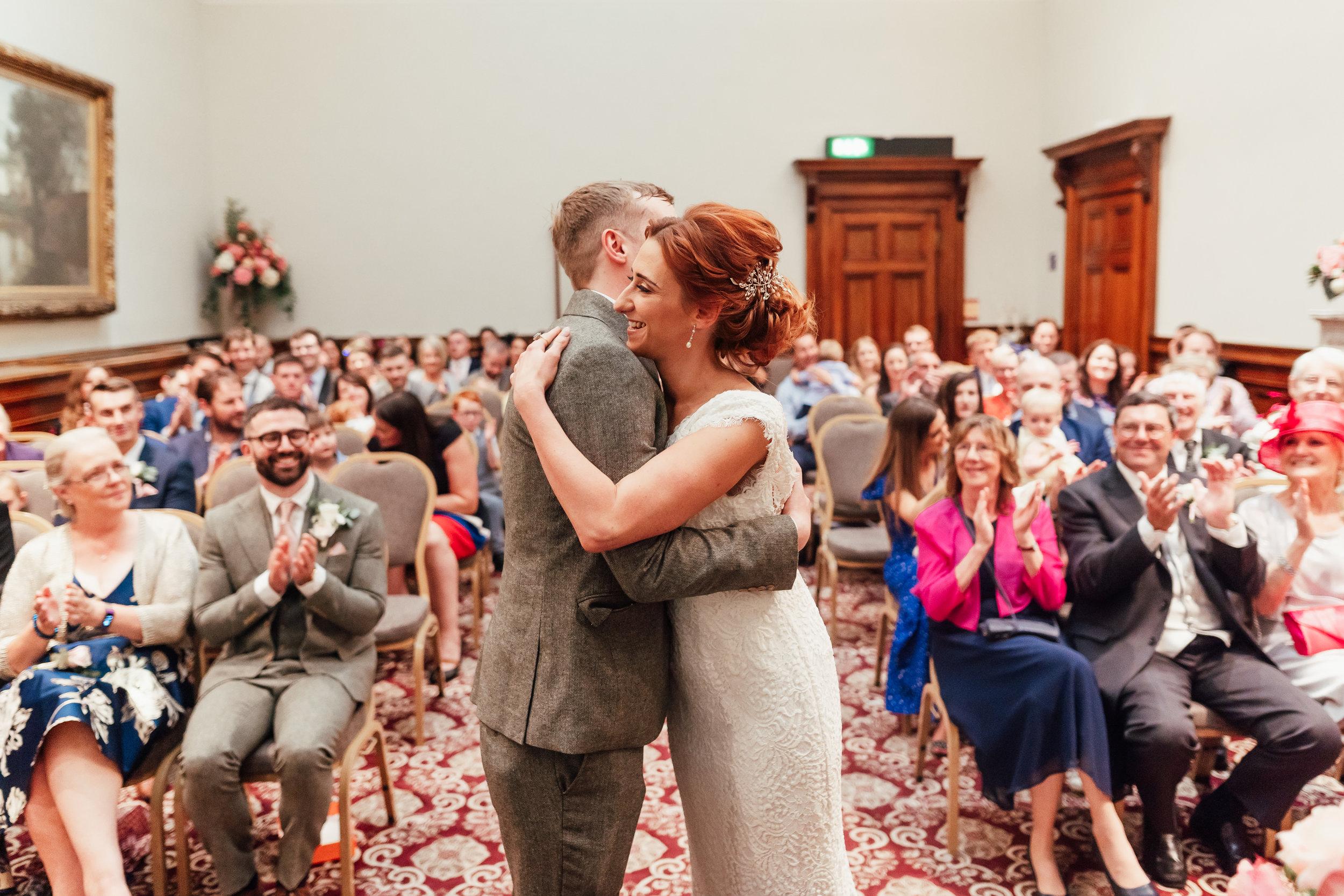 st-georges-hall-liverpool-wedding-105.jpg