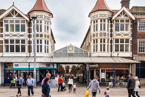 "- ""Bognor Regis richly deserves the major investment which the town is attracting.""Councillor Mrs Gillian Brown, Leader of Arun District Council"