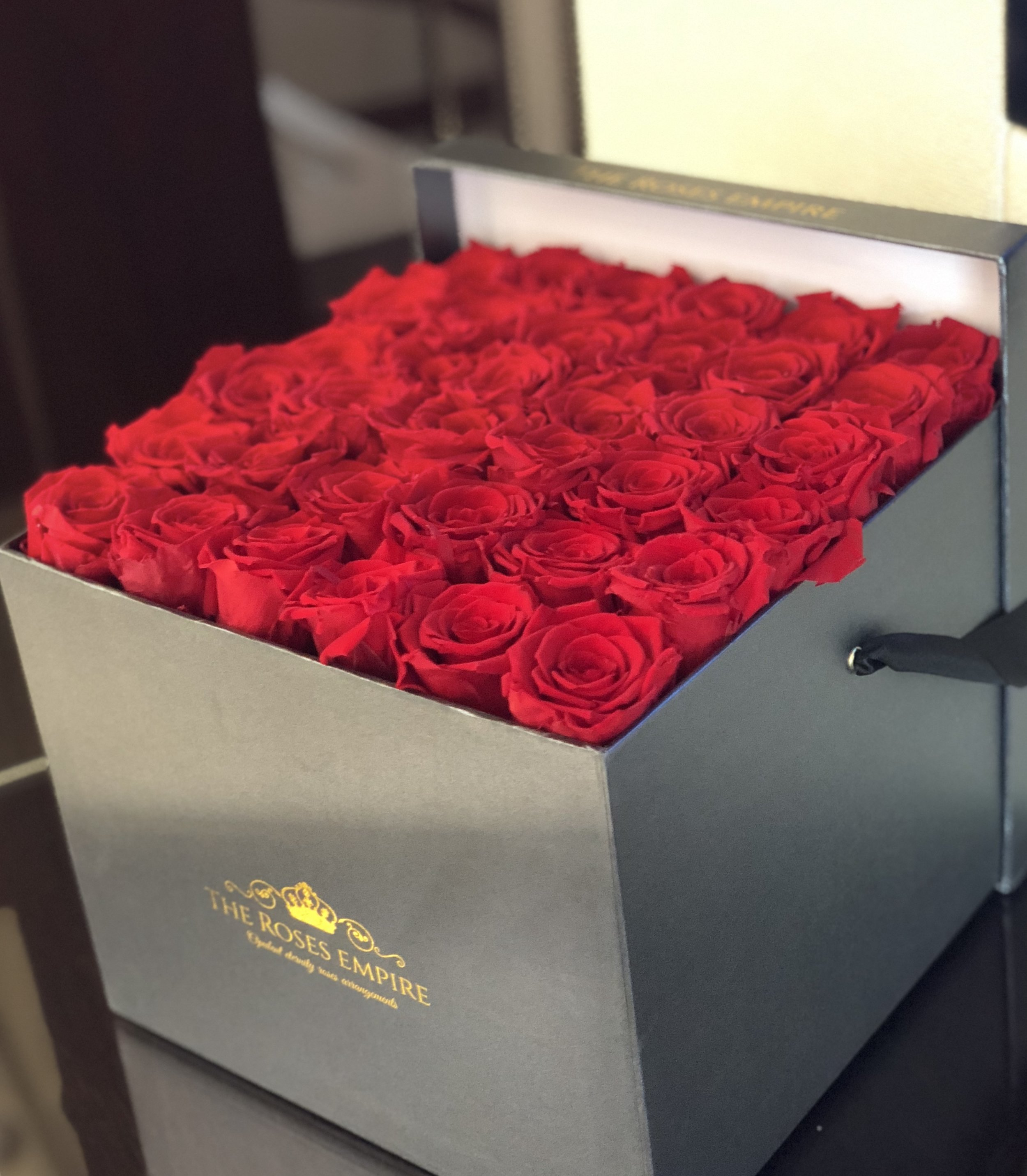 Deluxe Eternal roses for your needs - Eternal roses are perfect for yachtsand villas. They are long lastingtherefore likely to last youall season without the need to changeflowers weekly.They do not need any maintenancewhich is always a luxury, apart fromoccasional dusting!