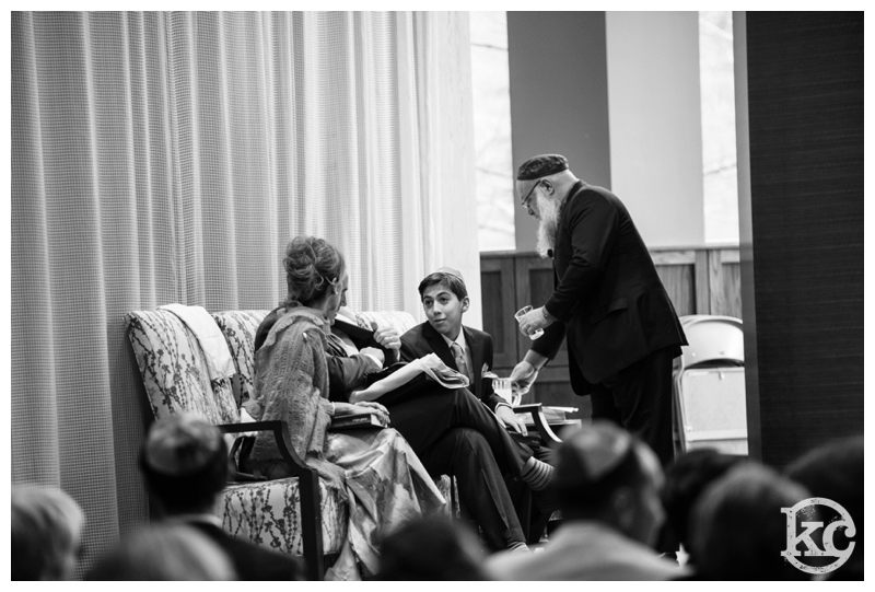 Temple-Beth-Avodah-Bar-Mitzvah-Kristin-Chalmers-Photography_0033