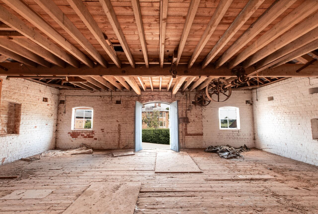 The Granary - The Granary is a stunning Victorian red brick complex extending to over 10,000 sq ft, including a courtyard, original wooden beams, and a loading bay with double height, 30ft ceiling. Superbly constructed, this historic building is ready for an exciting new future.