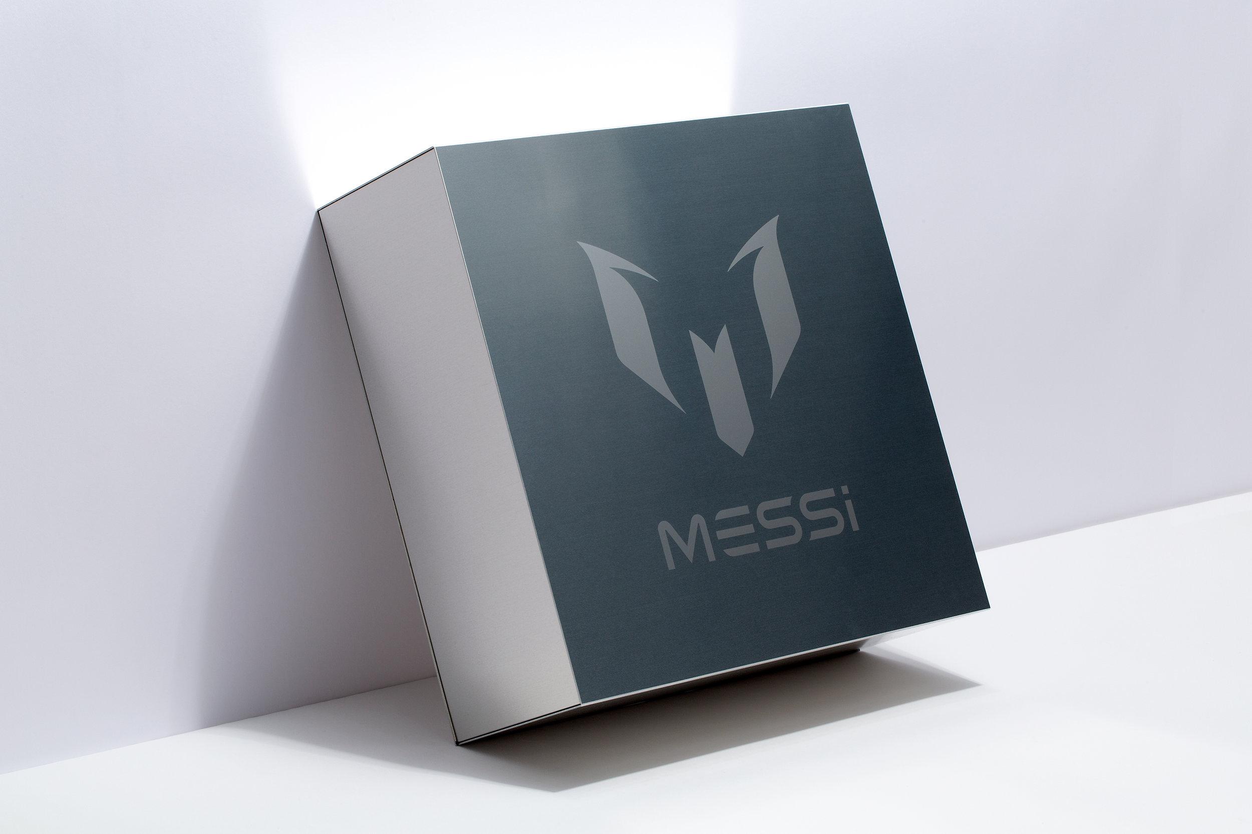 adidas_Messi_box_1.jpg