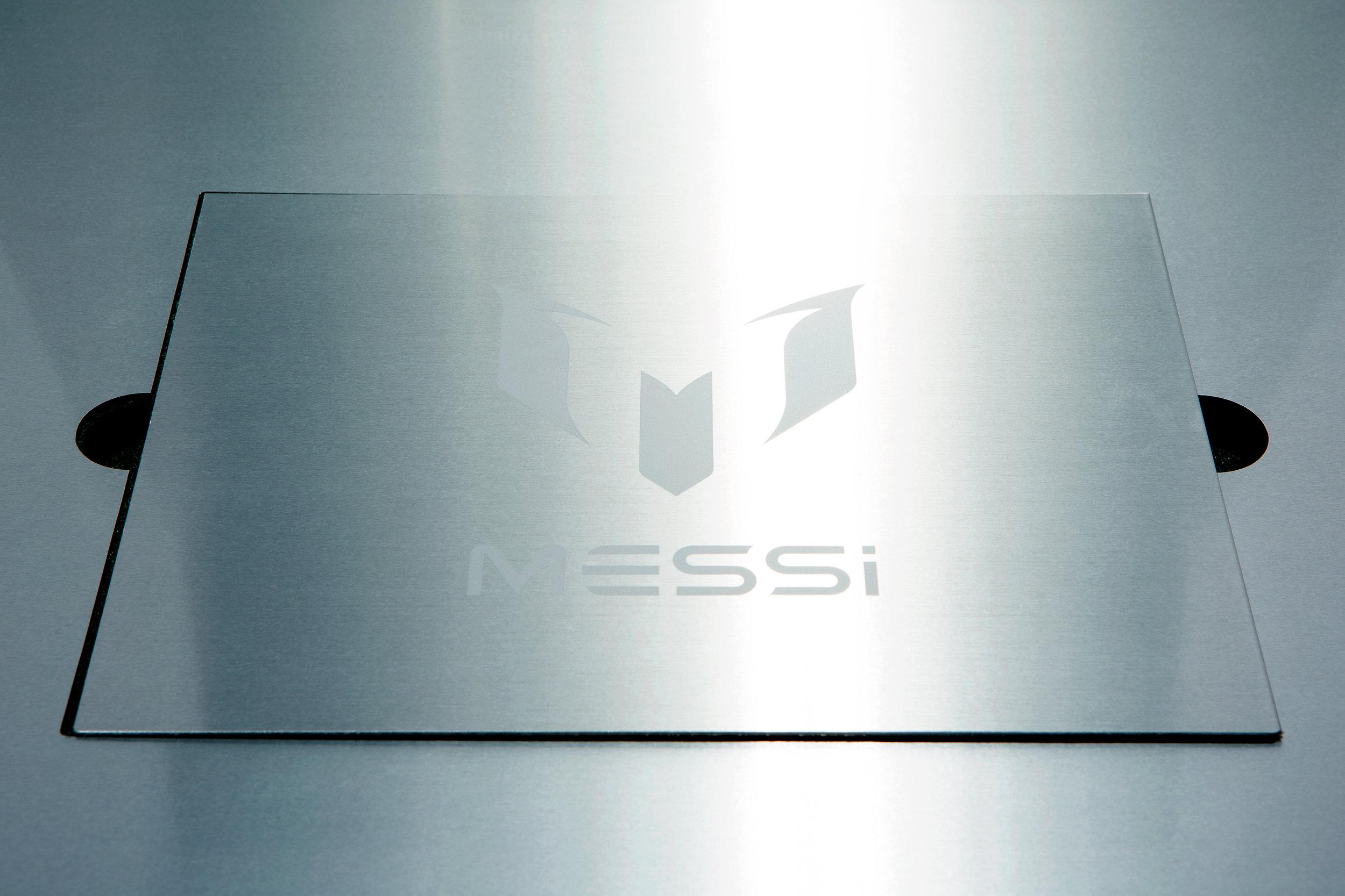 adidas_Messi_box_2.jpg